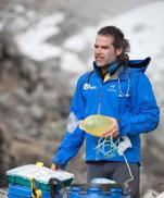 terremoto-en-nepal-rescatan-a-un-medico-espanol-y-se-queda-para-ayudar
